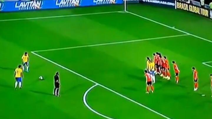 U Bayernu mu ne ide najbolje, ali za reprezentaciju briljira: Sjajan gol Coutinha iz slobodnjaka