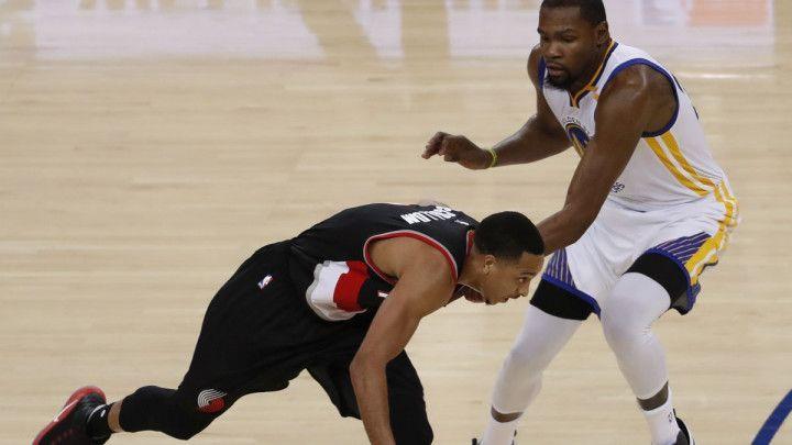 "Portland ""pao"" u Oaklandu, Clippersi u finišu do preokreta nad Torontom"