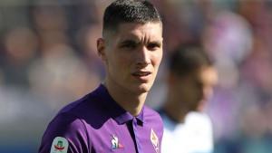 United dovodi Milenkovića, svog veznjaka šalje Fiorentini?