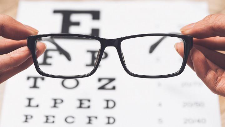 11 znakova da vam trebaju naočale