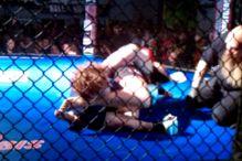 Seksipilna Ronda je već u prvoj MMA borbi pokazala snagu