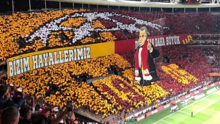 Jedan je Imperator: Spektakularna koreografija navijača Galatasarayja