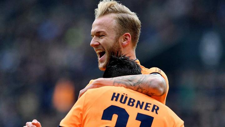 Šest golova Hoffenheima, Schalke rutinski