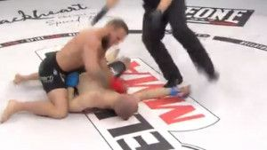 Američki MMA borac brutalnim nokautom vratio Luku Jelčića na fabričke postavke