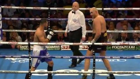 Šou Tysona Furyja na povratku u ring