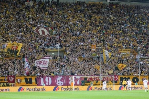 Ultras Dynamo u velikom broju stižu u Gladbach?