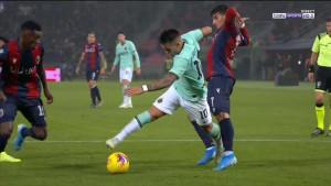 Direktor Bologne: Penal je smiješan, Martinez koristi stare trikove
