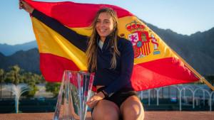 Zbog depresije se prestala baviti manekenstvom, pa postala jedna od najboljih teniserki
