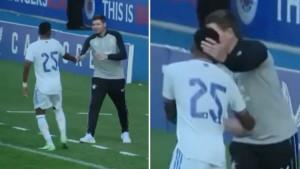 Igrač Real Madrida se na trenutak zbunio kada je shvatio da stoji pored Gerrarda