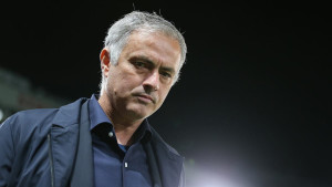 Mourinho ne vodi United protiv Chelseaja