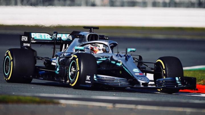 Šampion napravio prvi krug u novom Mercedesu i sve je podijelio sa navijačima
