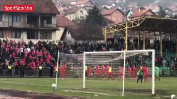 Usprkos porazu, Red Army je uz igrače FK Velež