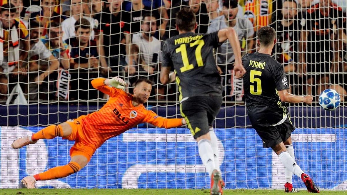 Pjanić s dva gola donio Juventusu pobjedu, Manchester United rutinski protiv Young Boysa