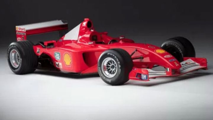Sumanuta cifra: Slavni bolid Schumachera prodat na aukciji