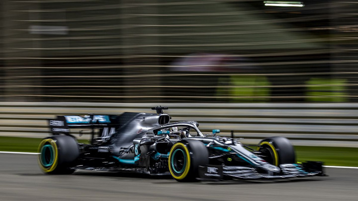 Mercedes ponovo dominira: Hamilton slavio u Bahrainu, Bottas drugi