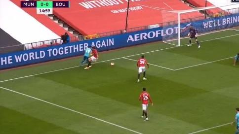 Najskuplji štoper svijeta obrukan za sva vremena: Nevjerovatan šok na Old Traffordu