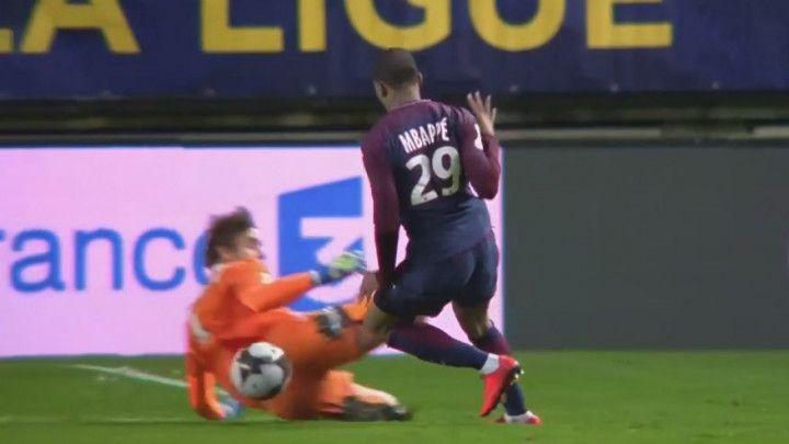 Krvnički prekršaj: Golman Amiensa htio povrijediti Mbappea