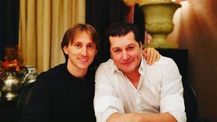 """Luka Modrić se družio s folk pjevačem Acom Pejovićem, a s komentarom na kraju """"izdominirao"""" Srna"""