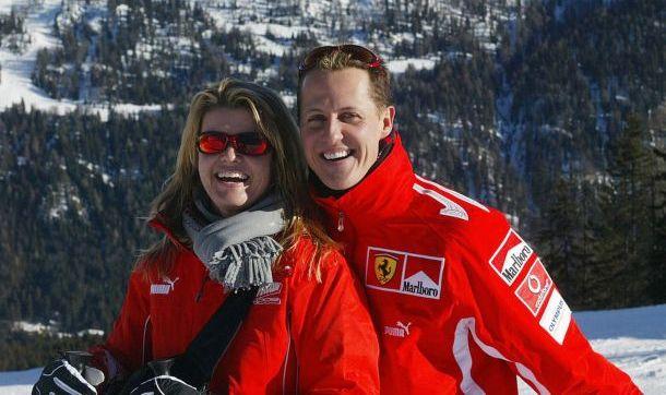 Michael Schumacher progledao, reaguje na bol