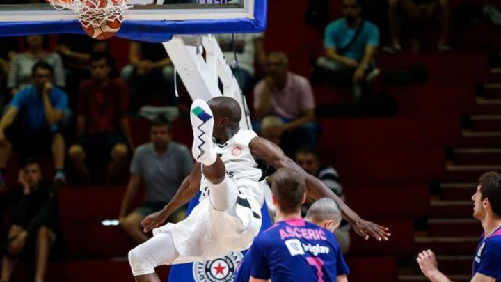 Teška povreda košarkaša Partizana