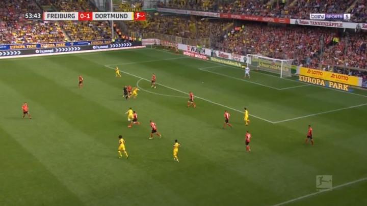 Igrači Dortmunda sjajnom akcijom izbacili cijelu odbranu Freiburga i stigli do 2:0