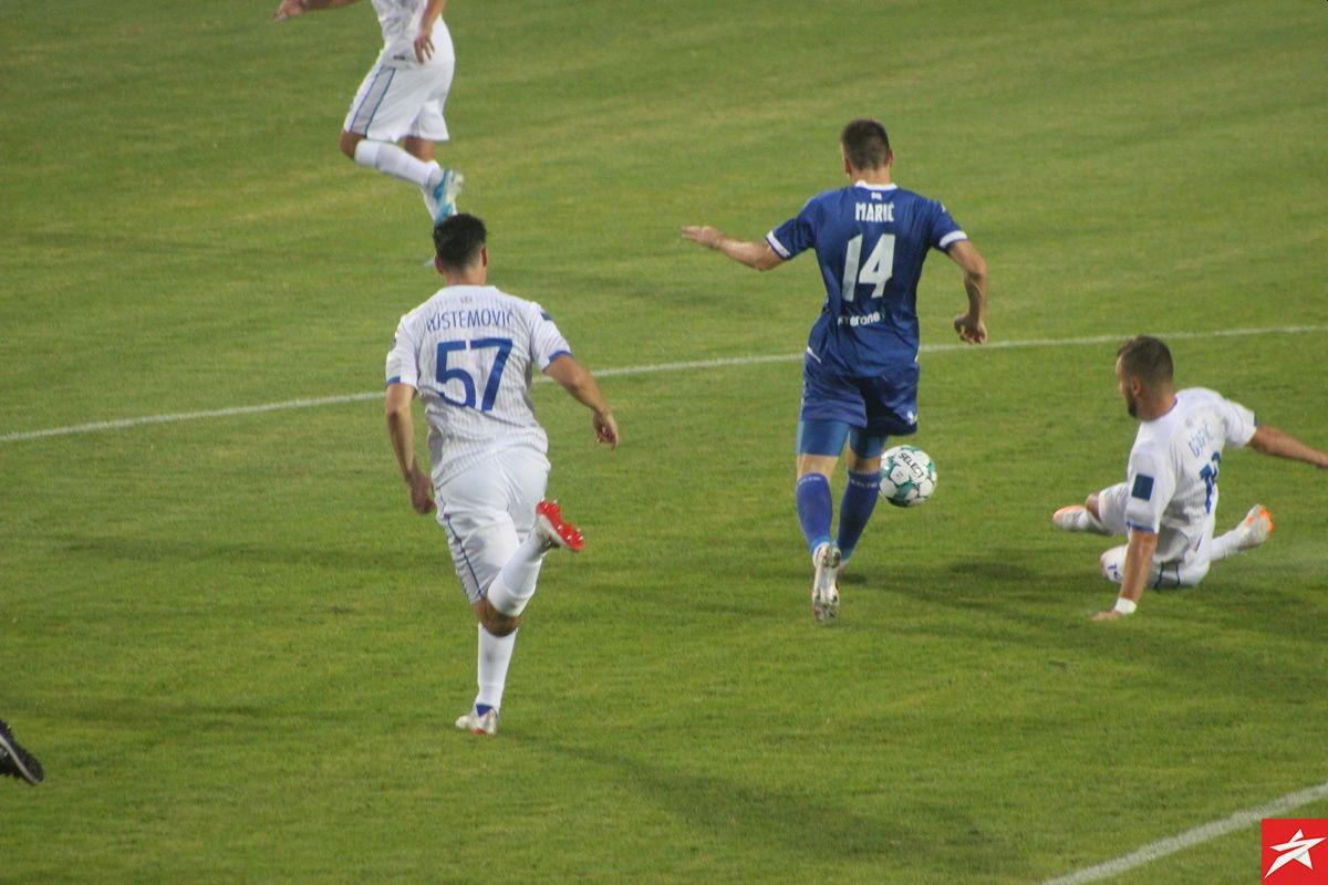 Rustemović predstavljen sa 'desetkom', na debiju nosi 57