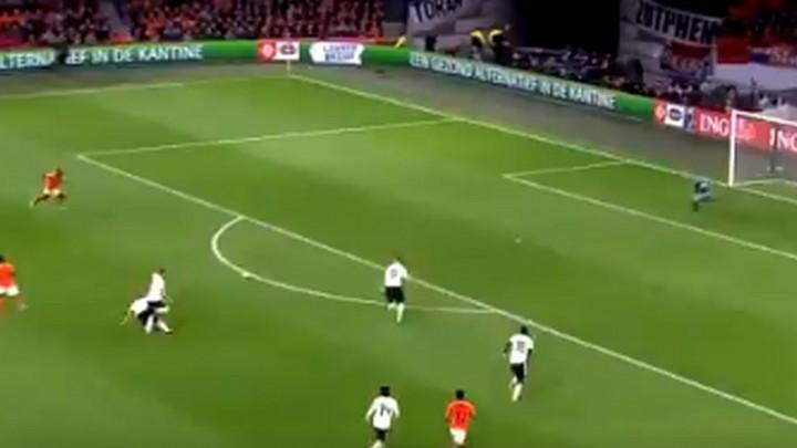 Dva čuda Manuela Neuera!