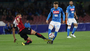 Napoli u 98. minuti sa penala pobijedio Cagliari