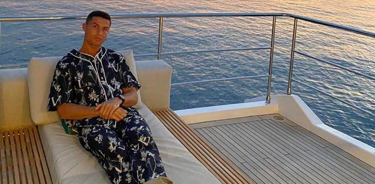 Skupocjena Ronaldova pidžama izazvala je veliku pažnju, a zbog nje ga mnogi ismijavaju