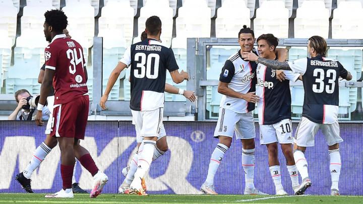 Juventusu gradski derbi: Ronaldo zabio iz slobodnjaka, Buffon za historiju, Pjanić zamijenjen