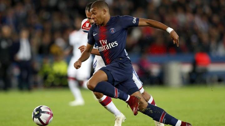 Naklonite se fudbalskom čarobnjaku: Četiri gola Mbappea i uništavanje Lyona za 13 minuta