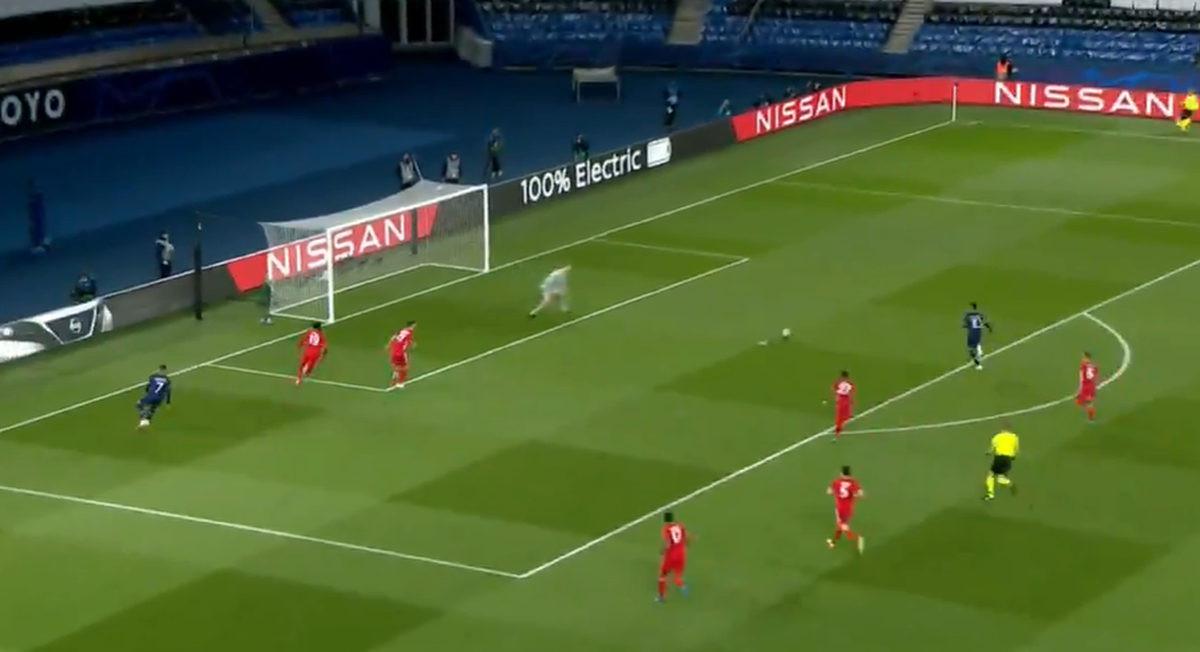 Pravo je čudo kako PSG nije dao barem jedan gol: Čudesni Neuer, prečka...