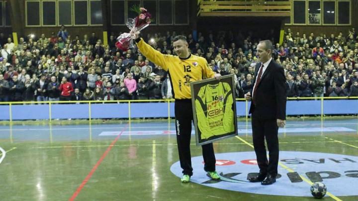 Spektakl u Zavidovićima: Šabanović, Bašić i Avdić se oprostili od igranja rukometa