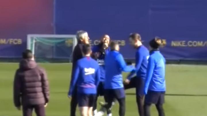 Vidal pokušao poniziti Setiena, novi trener Barce ga 'davio'