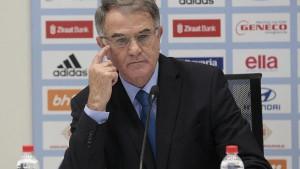 Bajević odlučio da progovori: Odgurnuo sam Misimovića, on želi da odlučuje ko će igrati!