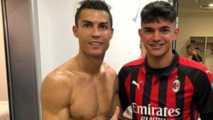 Milan je daleko dogurao: Igrač Rossonera jedva čekao da se uslika s Ronaldom