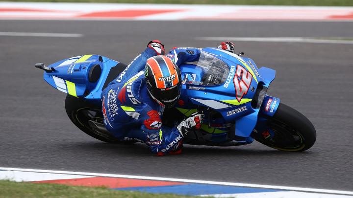 Marquez izletio sa staze, Rins pobijedio, Rossi završio drugi