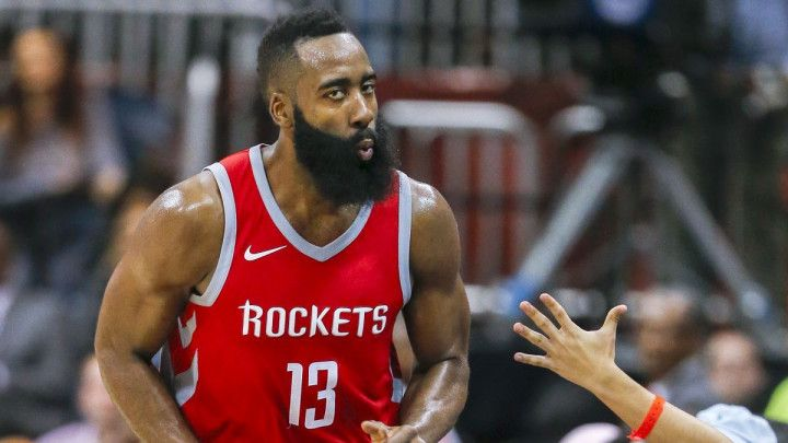 Rocketsi slavili 14. vezanu pobjedu, Thunder nakon produžetka srušio Maverickse