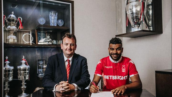 Heroj Maksimira potpisao za slavni engleski klub