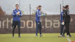 """Žele ga Celtic i još nekoliko klubova, a svjestan situacije Begović poručuje: """"Nisam glup"""""""