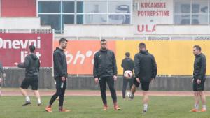 """Fudbaleri FK Sarajevo """"preorali"""" teren na Babovcu"""