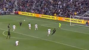 Čudesan gol Carlosa Vele u pobjedi Los Angelesa protiv Beckhamovog Intera