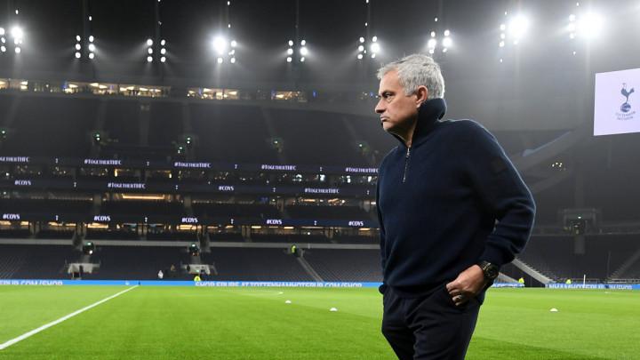Sve je završeno? Mourinho lično nazvao sjajnog napadača i rekao mu da dođe u Tottenham