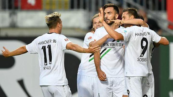 "Hannover potopio Kaiserslautern na otvranju ""Cvajte"""