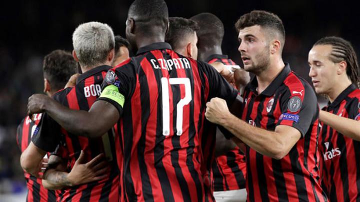 Dok se čeka Piatek, Milan kupio novog stopera