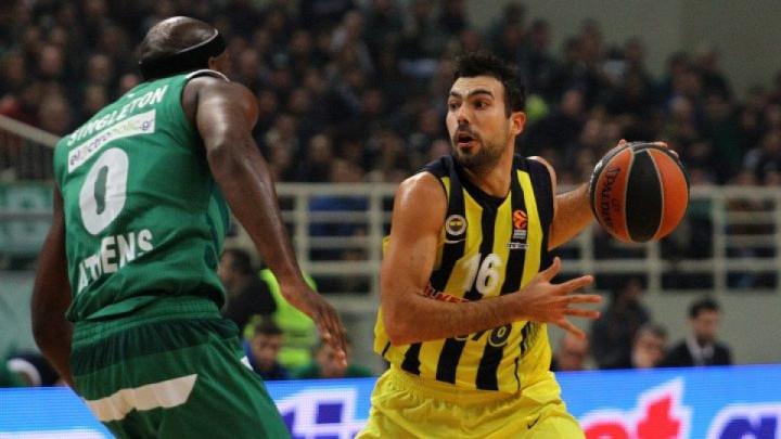 Sloukas je sinoć u Atini postigao koš iz Istanbula