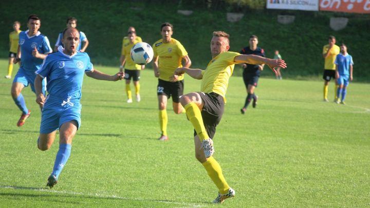 Mujkić i Salihović sa dvocifrenim brojem golova na pauzu