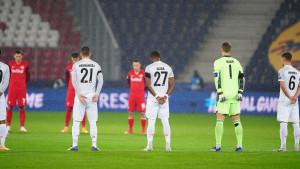 Na praznom stadionu u Salzburgu pozornost privukao transparent s porukom iza gola