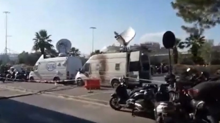 Haos u Pireju, TV ekipu gađali molotovljevim kokteklom!