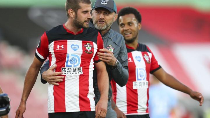 Southampton predstavio nove dresove koji neodoljivo podsjećaju na HŠK Zrinjski